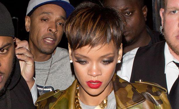 Rihanna vaihtoi taas hiustyyliään.