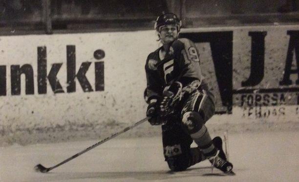 Kari Kauppilan peliura päättyi FoPS:n ykkösdivisioonaottelussa tulleeseen vuoden pelikieltoon.