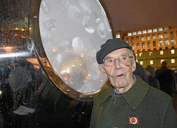 Kuukauden kuluttua 99 vuotta täyttävän sotaveteraani Kauko Mäenpään mielestä muistomerkki on yhtä ainutlaatuinen kuin talvisota oli.