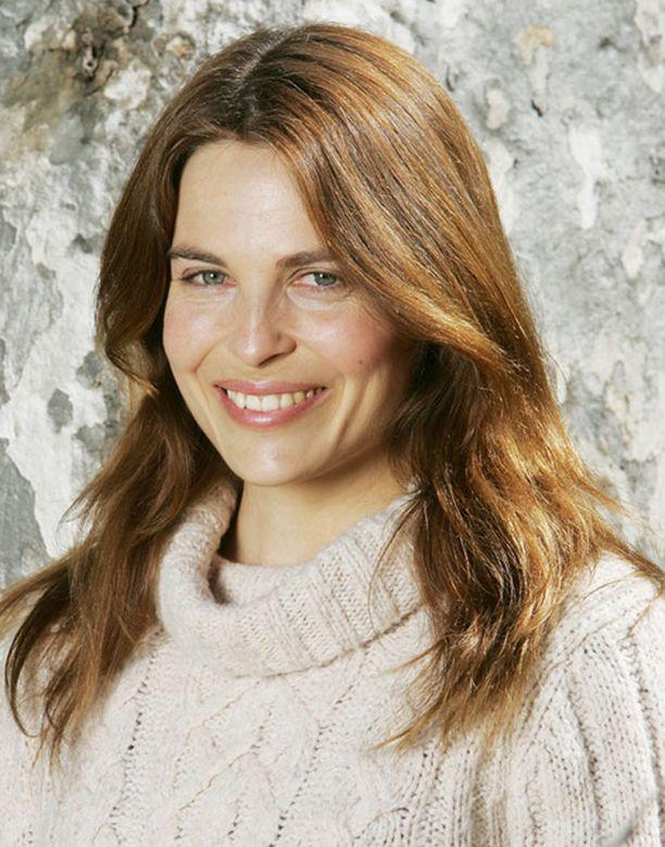 Jo vuosia Los Angelesissa miehensä Peter Franzénin kanssa asunut Irina Björklund nappasi loistoroolin.