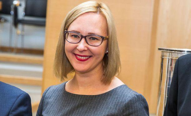Eduskunnan puhemies Maria Lohela (ps).