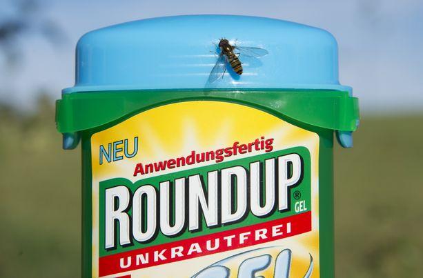 Rikkaruohoille tarkoitettu myrkky Roundup on erittäin kiistelty.