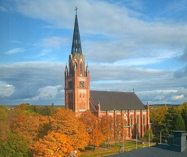Keski-Porin kirkko oli yksi hämmennyksen keskelle joutuneista kirkoista.