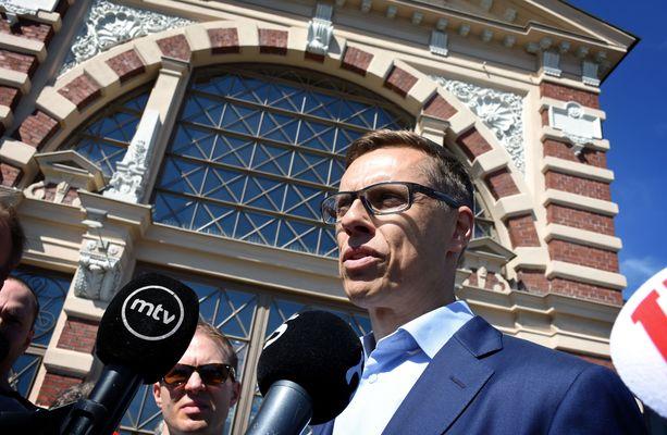 Alexander Stubb haluaa EU-komission puheenjohtajaksi.