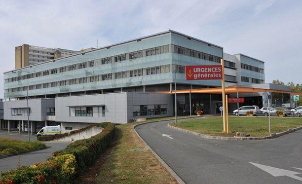 Menehtynyt nainen oli hoidettavana sairaalassa Poitiers'issa.