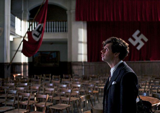 Elokuvassa Elseriä esittää Christian Friedel.