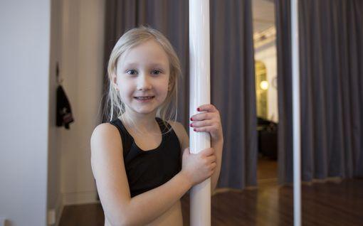 6-vuotias Aino hurahti tankotanssiin, pystytti verhotangon keittiöön ja kieppui kahdeksan tuntia päivässä – pian alkaa valmistautuminen ensimmäisiin SM-kisoihin
