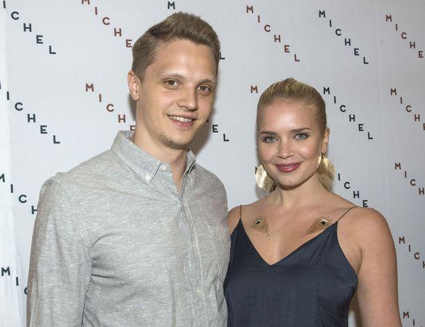 Lotta ja Kristian Näkyvä Michel-ravintolan avajaisissa vuonna 2016.