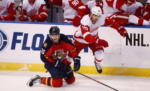 Aleksander Barkovin Florida joutui nöyrtymään Riley Sheahanin edustamalle Detroitille.