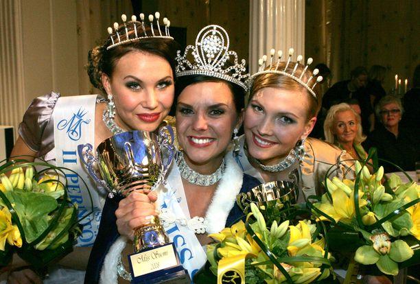 Susanna Juntunen tuli vuonna 2008 Miss Suomi -finaalissa ensimmäiseksi perintöprinsessaksi.