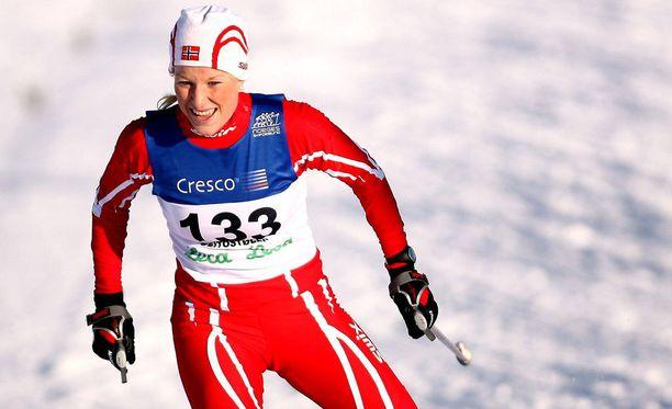 Ida Eide oli itsekin lahjakas hiihtäjä, mutta hänen huippu-urheilu-uransa päättyi jo vuosia sitten.