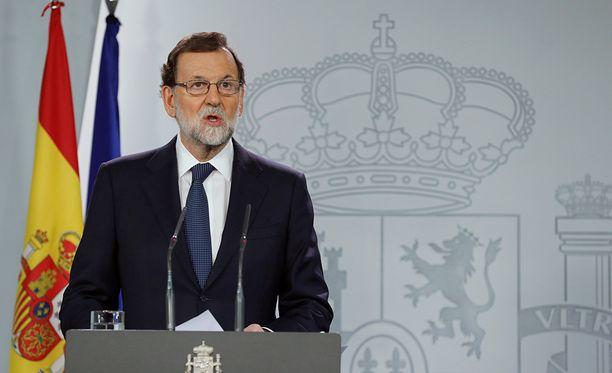 Espanjan pääministeri Mariano Rajoyn mukaan koko itsenäisyysjulistuksessa on kyse sadusta ja haihattelusta.