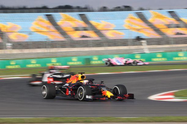 Red Bullin Max Verstappen oli mainiossa vauhdissa Turkin GP:n vapaissa harjoituksissa.