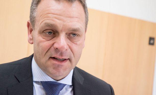 Euroopan investointipankin varapääjohtaja, ex-ministeri Jan Vapaavuori ei tekisi hallitusyhteistyötä Jussi Halla-ahon vetämän perussuomalaisten kanssa.