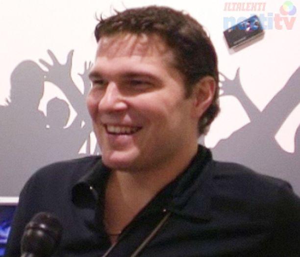 NHL09 sai Tomek Valtoselta arvosanan kahdeksan ja puoli.