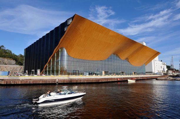Teatteri- ja konserttitalo Kilden Kristiansandissa on hyvä esimerkki tyylikkäästä nykyarkkitehtuurista.