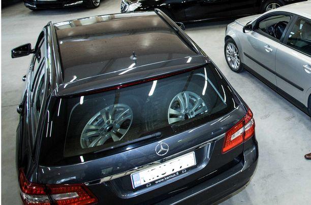 Mercedes oli huhtikuussa haetuin automerkki.