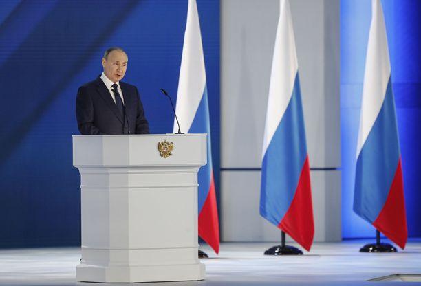 Venäjän presidentti Vladimir Putin piti keskiviikkona merkittävän linjapuheen. Länsimaille tarkoitetusta varoituksesta puuttui konkretia.