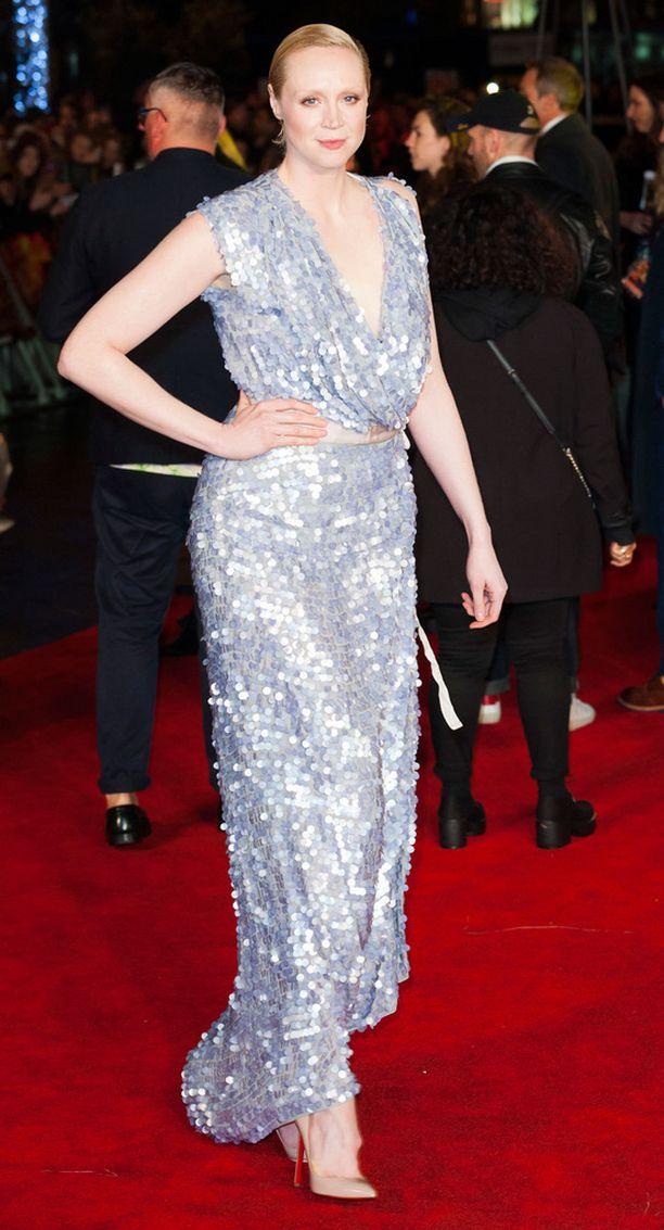 Game of Thronesista tuttu näyttelijä Gwendoline Christie edusti paljettimekossa.