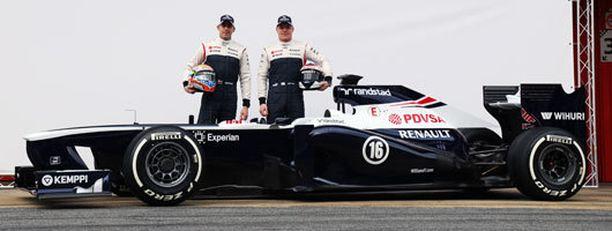 Pastor Maldonado ja Valtteri Bottas esittelivät uutta työkaluaan.
