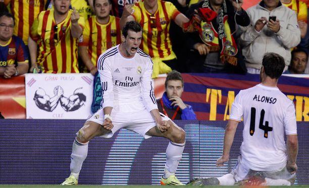 Gareth Bale tuuletti villisti voittomaaliaan.