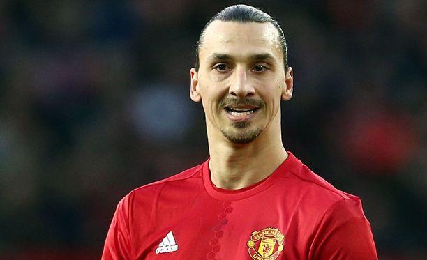 Zlatan Ibrahimovic menetti kärkipaikkansa Expressenin listalla.