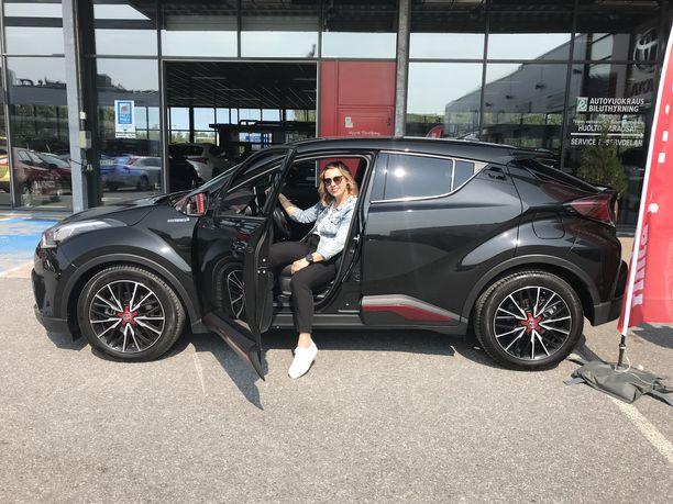 Laura Havusela on ostanut kaikki neljä autoaan Tervajoen Rinta-Joupilta.