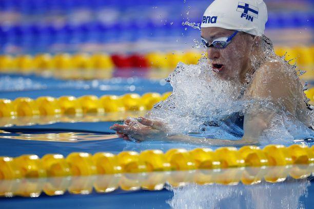 Jenna Laukkanen oli yksi kolmesta suomalaisesta MM-välieriin uineesta.