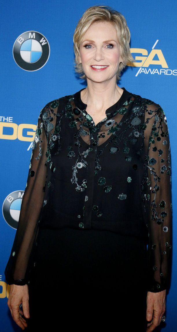 Jane Lynch on palkittu Golden Globella ja Emmyillä, ja hänellä on tähti Hollywoodin Walk of Famella.