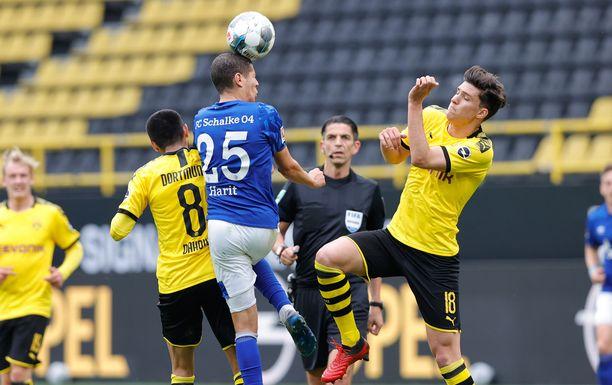 Borussia Dortmundin ja Schalken välistä ottelua katsottiin lukuisissa kodeissa.