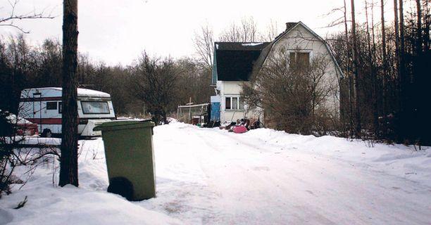 Kaveriporukka hautasi miehen elävältä viime kesäkuussa Oulun Hietasaaressa.