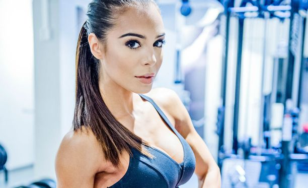 Sofia Ruusila-Nousiainen kilpailee bikini fitnessin MM-kisoissa Unkarissa.