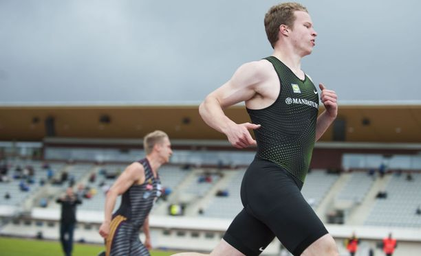 Samuel Purola juoksi satasen tiistaina Oulussa aikaan 10,44.
