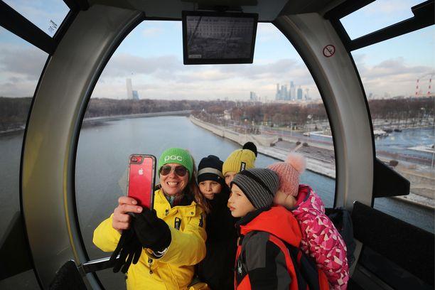 Nämä onnelliset matkustajat kerkisivät testata köysiradan, ennen kuin hakkereiden kiristysohjelma pysäytti radan.