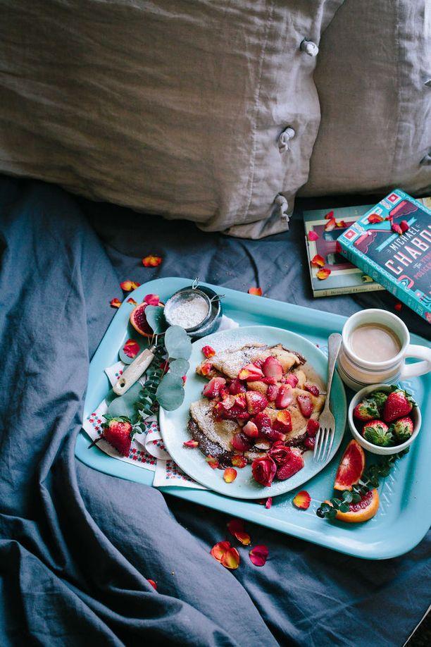 Aamiainen sänkyyn, hiukan omaa aikaa ja vapautus ruoanlaitosta, siivoamisesta sekä metatyöstä. Kas siinäpä useimpien kyselyymme vastanneiden äitien toiveet yhteenvetona.