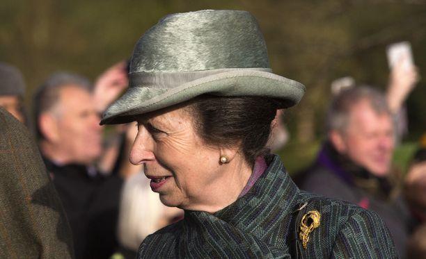 Prinsessa Anne, 66, otti kantaa äitinsä vointiin lyhyesti ja ytimekkäästi.