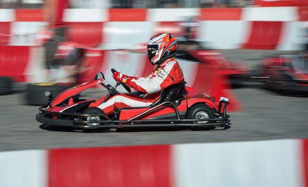 Kimi Räikkönen nähtiin tiistaina hieman normaalia pienemmän menopelin ratissa.