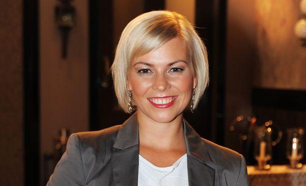 Kirsi Ståhlberg näytteli Isabella Holmia kuuden vuoden ajan.