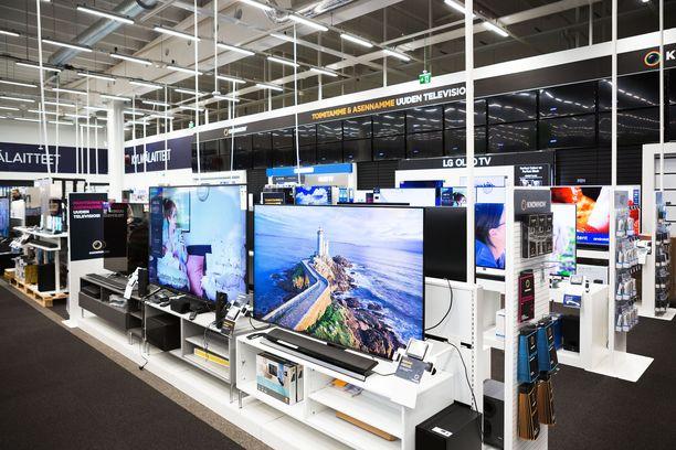 Kotona viihtymiseen ja työntekoon halutaan nyt panostaa: kotiin hankitaan televisioita, pelikonsoleita ja etätyöskentelyssä tarvittavia tuotteita.