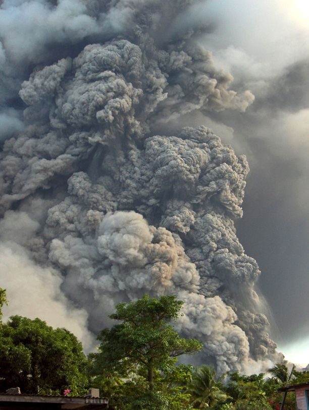 Vuonna 2006 Papua-Uudessa-Guineassa purkautui toinen, Tavurnur-niminen tulivuori. Purkaus aiheutti valtavan tuhkapilven.