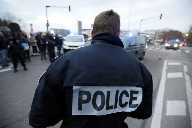 Viittä ranskalaista uusnatsia syytetään terrorismiin liittyvistä rikoksista. Kuvituskuva.