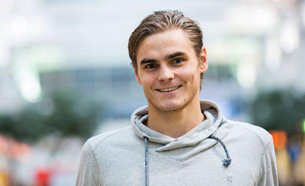 Sakari Tukiainen oli liekeissä kauden toisessa liigaottelussaan.