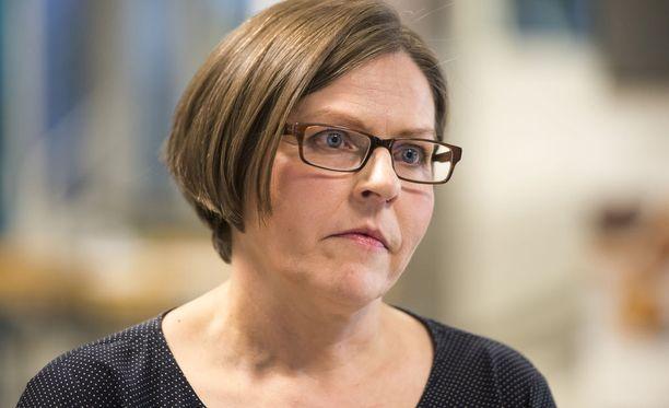 Heidi Hautala puhui sunnuntaina Senaatintorilla.