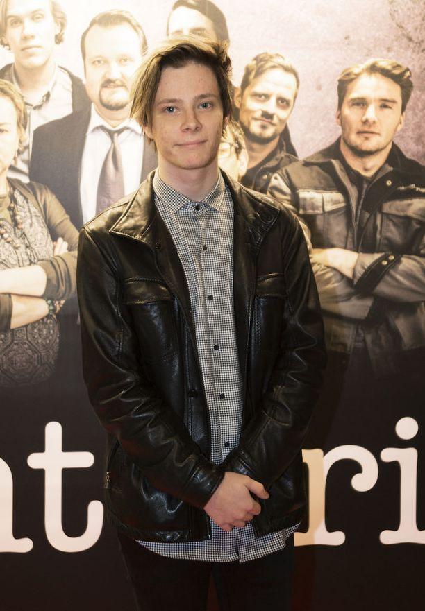 Nuori muusikkolupaus Alex Mattson oli yksi Konttori-sarjan kutsuvieraista.
