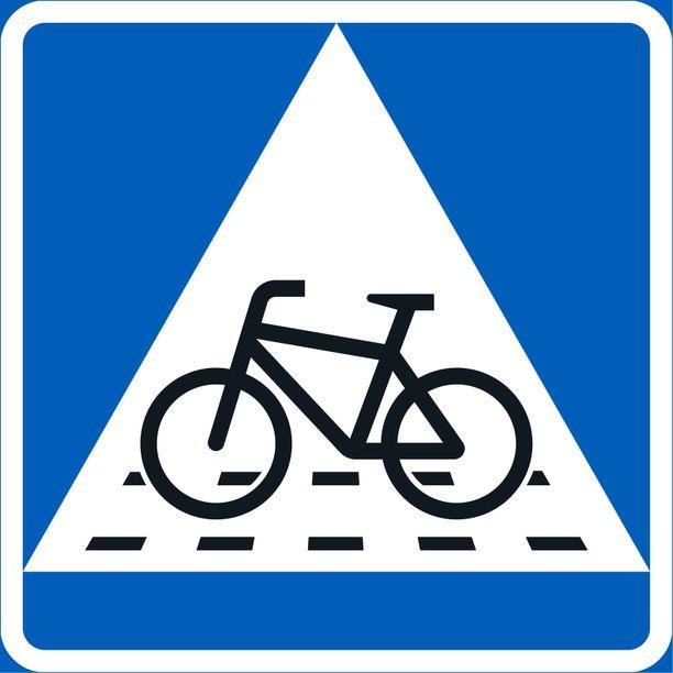 Väistämisvelvollisuus pyöräilijän tienylityspaikassa.