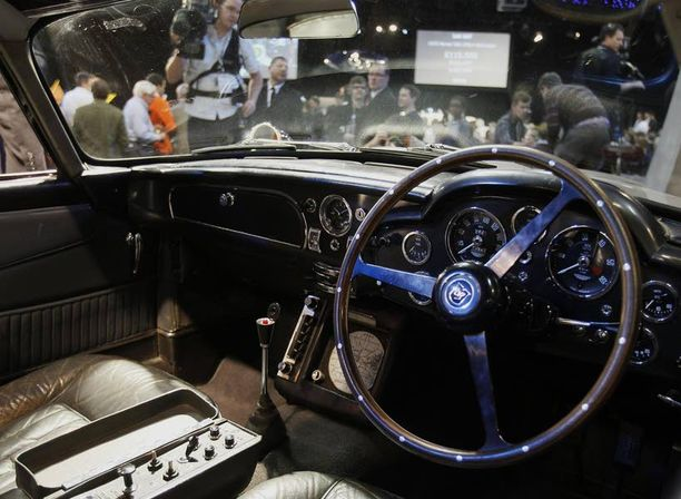 """Ostaja aikoo viedä auton museoon, mutta ensin hän suunnitteli """"pitävänsä vähän hauskaa""""."""