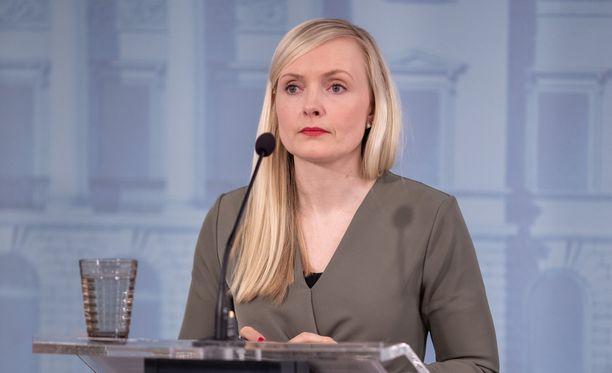Sisäministeri Maria Ohisalo kertoi sisäministerien keskusteluiden johtopäätöksistä perjantaina.