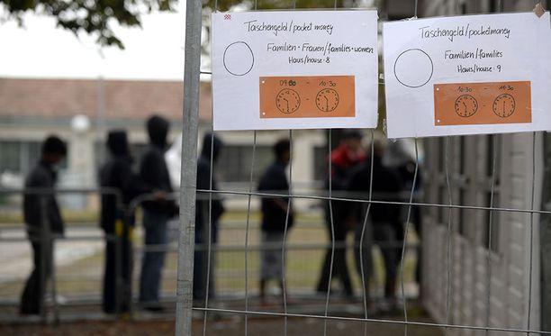 Itävalta harjoittaa tiukkaa turvapaikkapolitiikkaa. Turvapaikanhakijoita Ala-Itävallassa