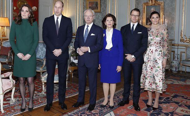 Lounaan jälkeen herttuatar Catherinen ja prinssi Williamin päivä jatkuu Nobel-museossa.