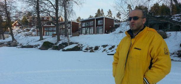 Venäjältä Suomeen muuttanut liikemies Khaled Abdessamad toimi kaupassa ostajan edustajana.